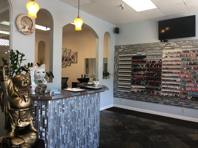 Color Nail Salon & Spa