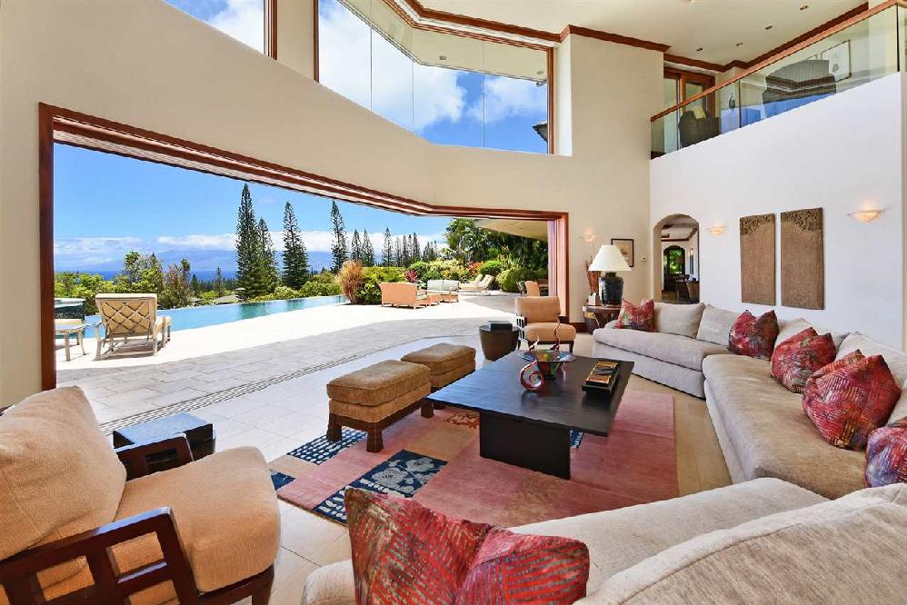 Coldwell Banker Island Properties – Kukui Mall, Maui